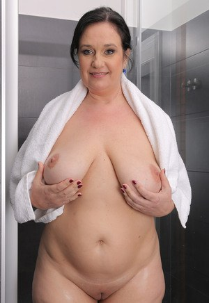 Old Pussy In Shower