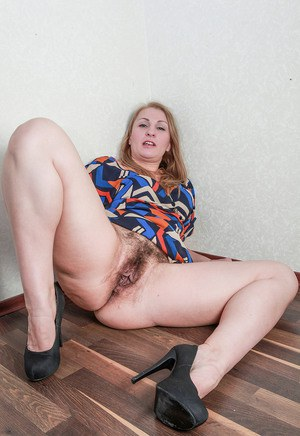 Old Pussy Upskirt